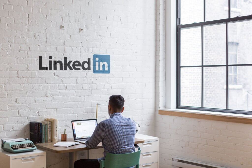 Online Marketing LinkedIn1 1024x683 - Als Start-up bekannt werden