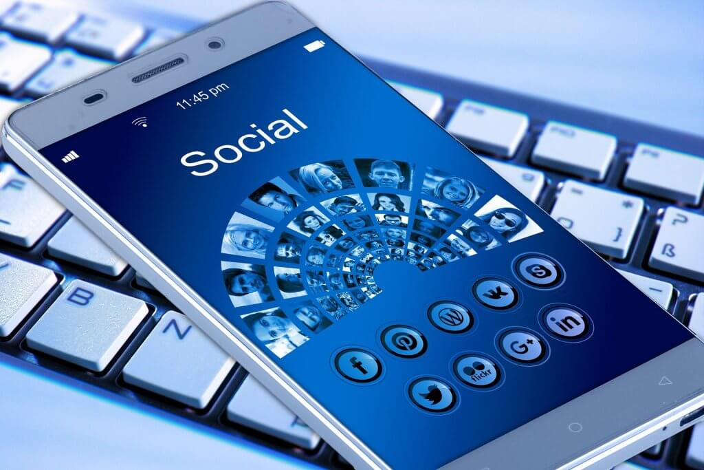mobile phone 1917737 1920 1024x683 - Mit innovativen Marketing-Ideen zum Erfolg